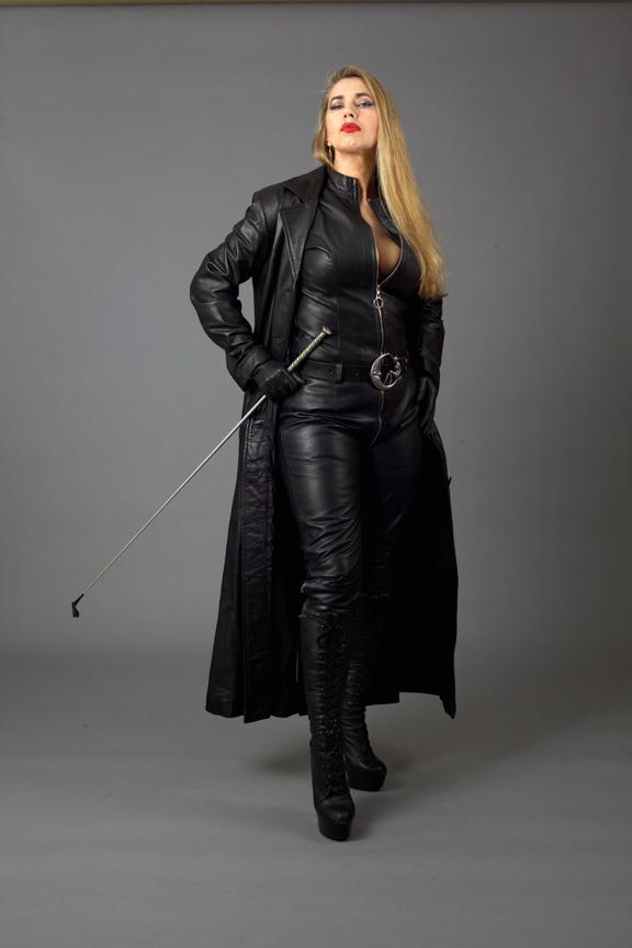 Leather-Catsuit-London-Mistress-01