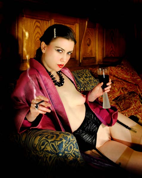 London-Mistresses-Miss-Myers-female_domination
