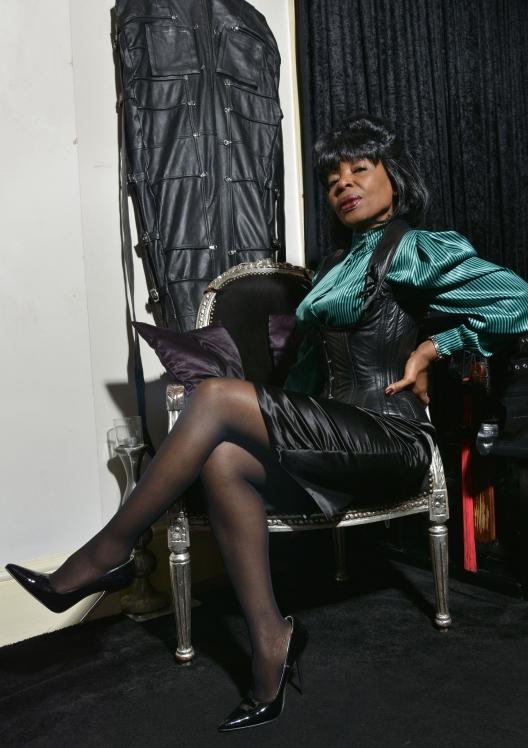 Black-London-Mistress-Queen-Ebowe