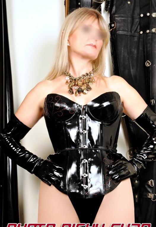 London-Mistress-Vanessa-Rubber-Corset